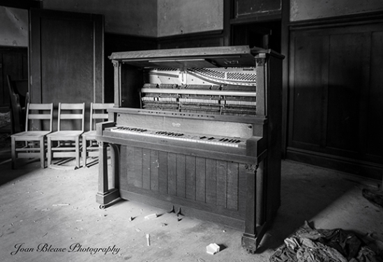 Old Piano 2a